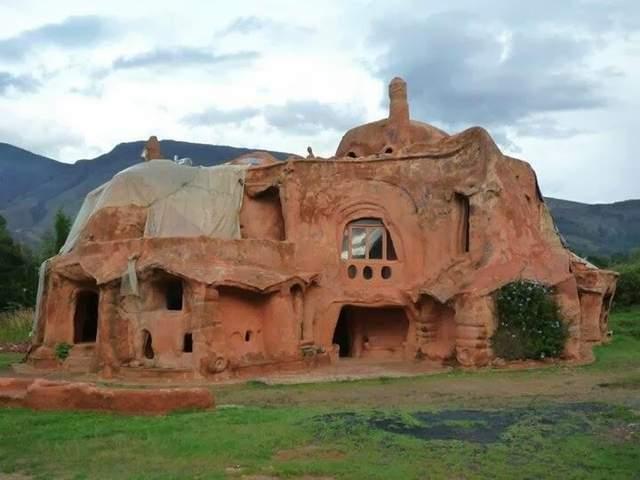 Складно уявити, як виглядає цей дім всередині