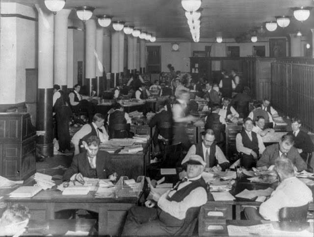 Як виглядали офіси 100 років тому