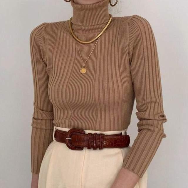 Як стильно носити светр