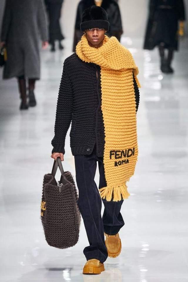 Трендові шарфи на зиму 2021