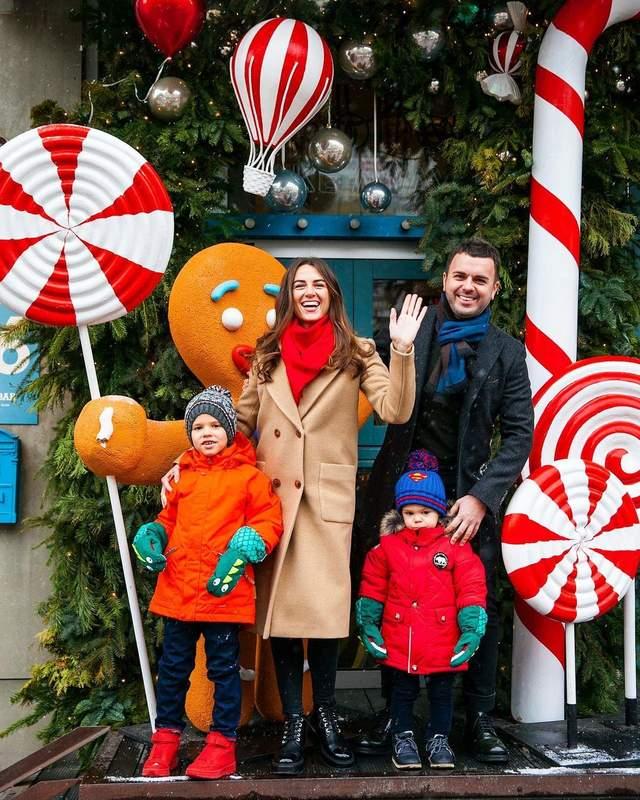 Григорій Решетник з дружиною і синами
