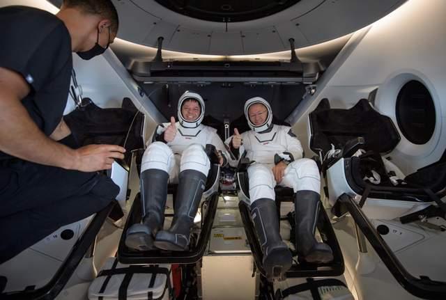 Маск, НАСА