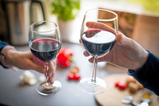 Насолоджуйтесь червоним вином та сиром – так буде краще для вашого здоров'я / Фото Pinterest