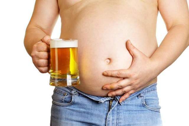 У мужчин жир откладывается преимущественно на животе