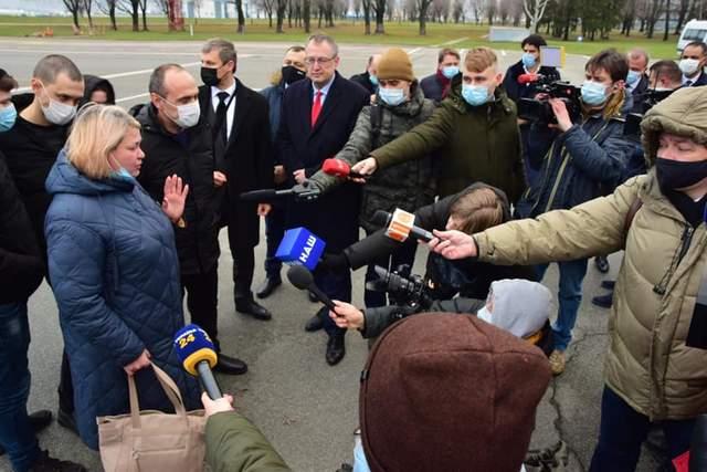 українські моряки повернулися додому після 5 років ув'язнення у Лівії
