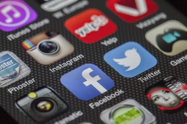 Забудьте про соціальні мережі хоча б в неділю / Фото Pixabay