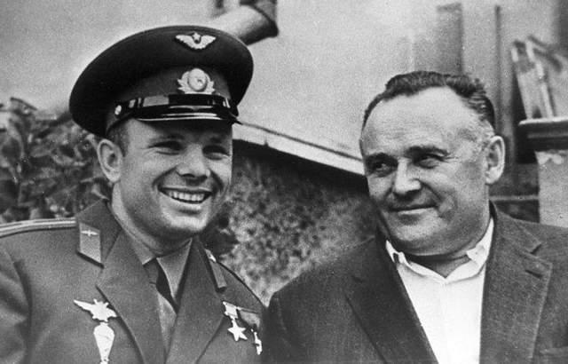 Сергій Корольов і Юрій Гагарін