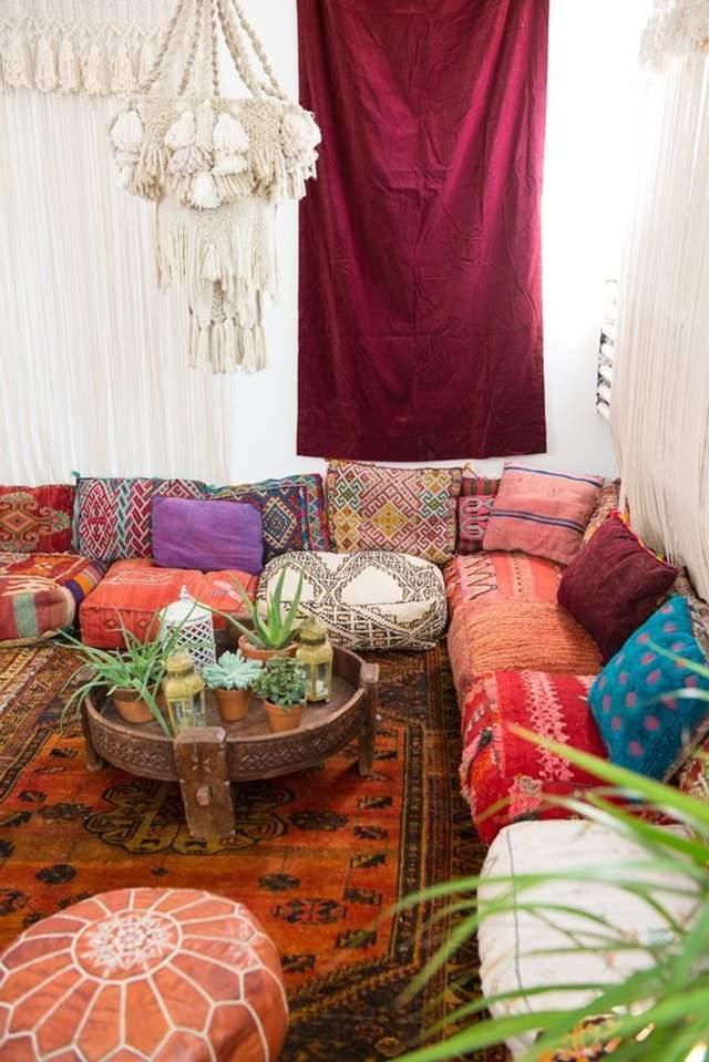 Марокканские подушки в современном интерьере