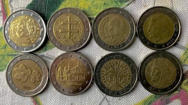 Дводоларові монети євро в різних країнах