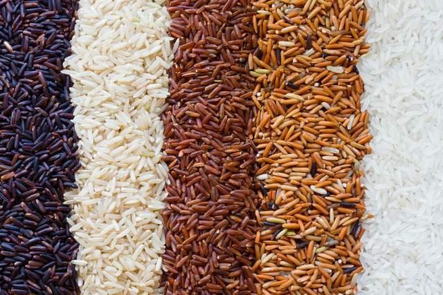 Бурий рис містить багато калорій