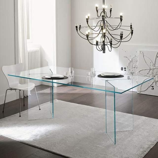 Вам подобаються прозорі меблі? / Фото Pinterest