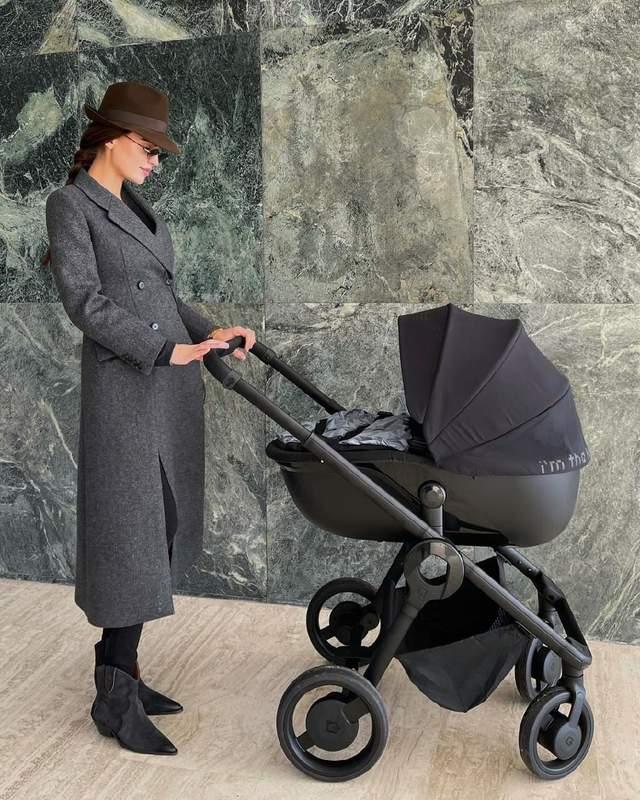 Стильний вихід після вагітності / Фото з інстаграму Анни Андрес