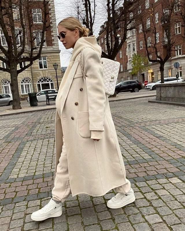 Як носити білий взимку стильно