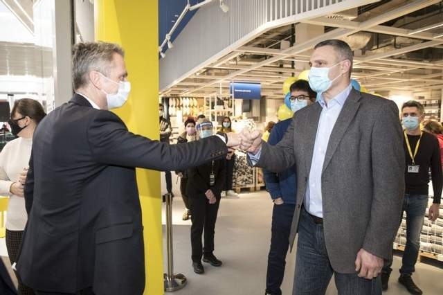 В открытии магазина принял участие Виталий Кличко