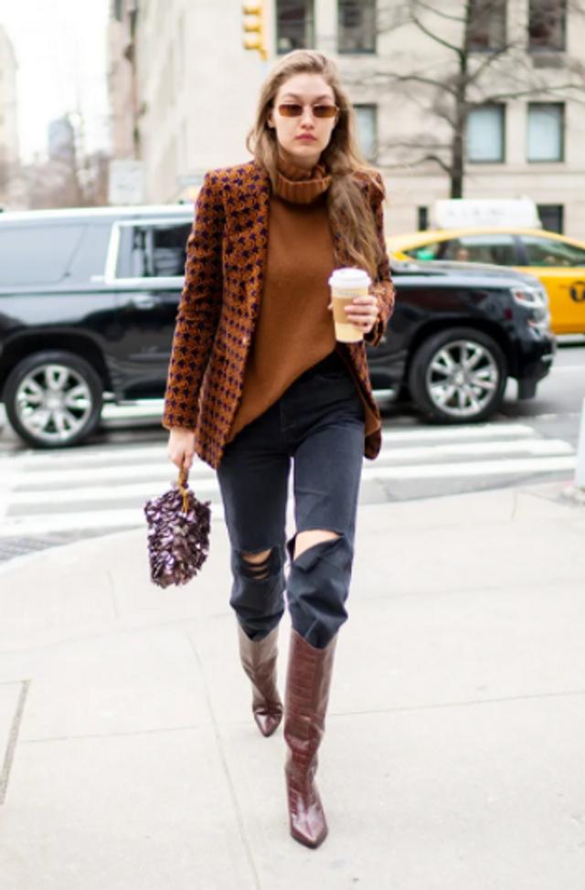 З чим носити светр з жакетом