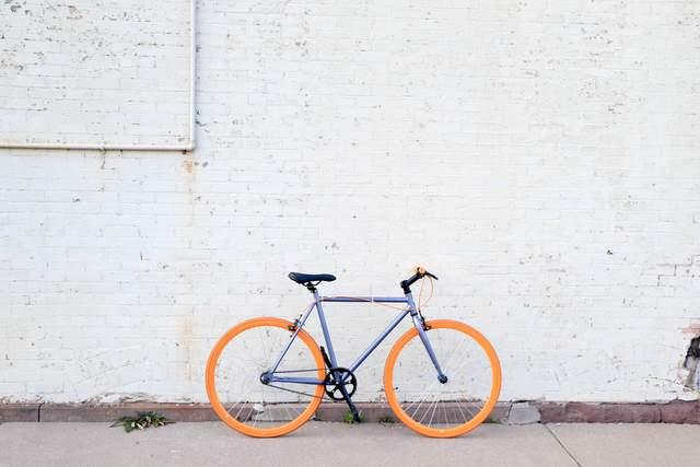Поїздки на велосипеді економлять час, гроші і бережуть природу