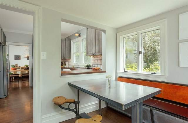 Вікно між кімнатами додає світла і простору