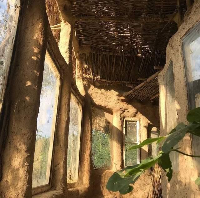 Так выглядит саманный дом внутри