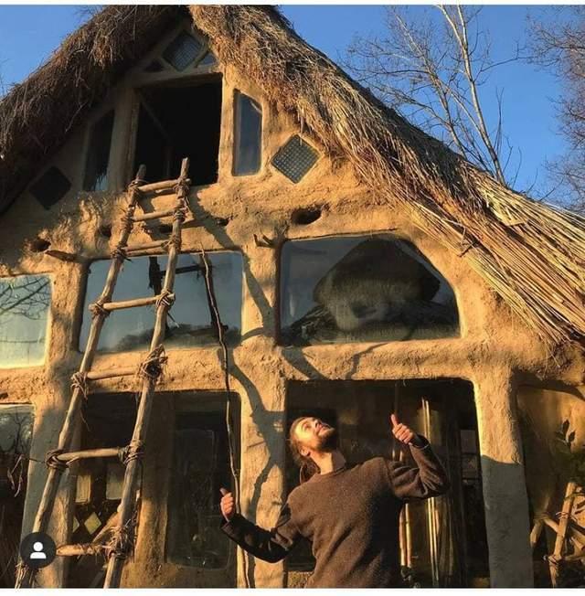 Дом строят по старинной технологии