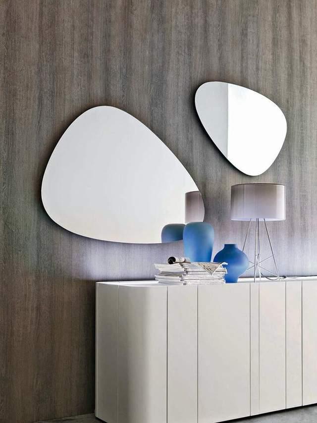 Нестандартное зеркало оживит интерьер