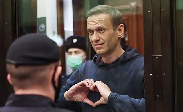 Фото Навального в залі суду