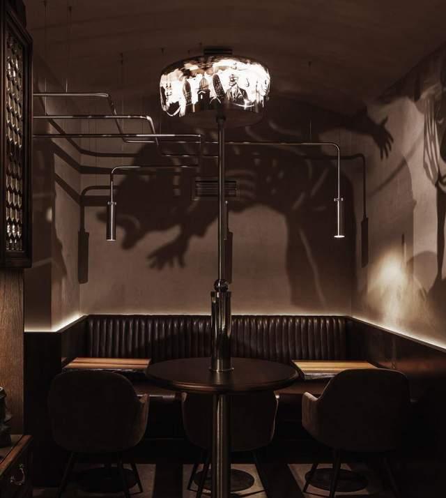 В баре много уютных уголков
