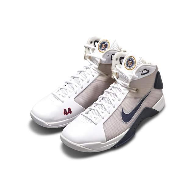 Кросівки Hyperdunk PE від Nike, створені спеціально для Барака Обами
