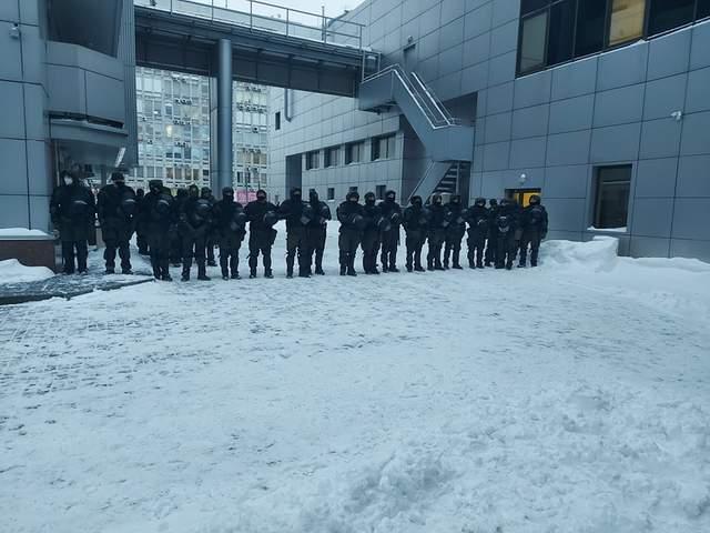 Поліція біля суду над Антоненком