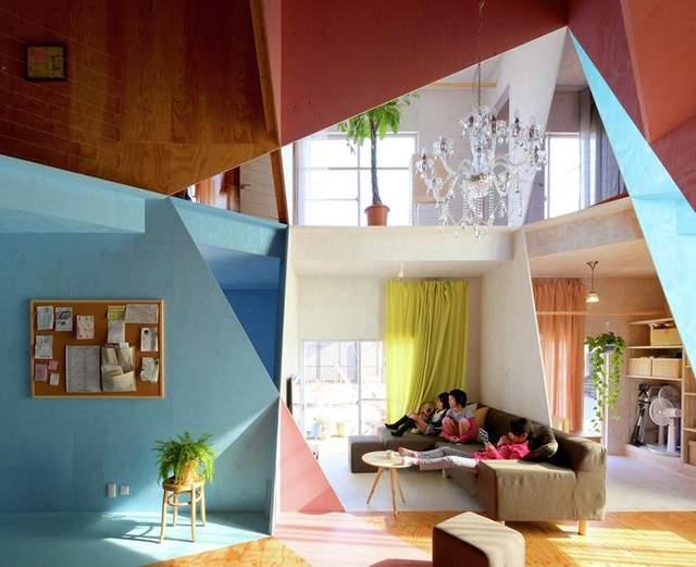Очень сложная геометрия делает дом уникальным