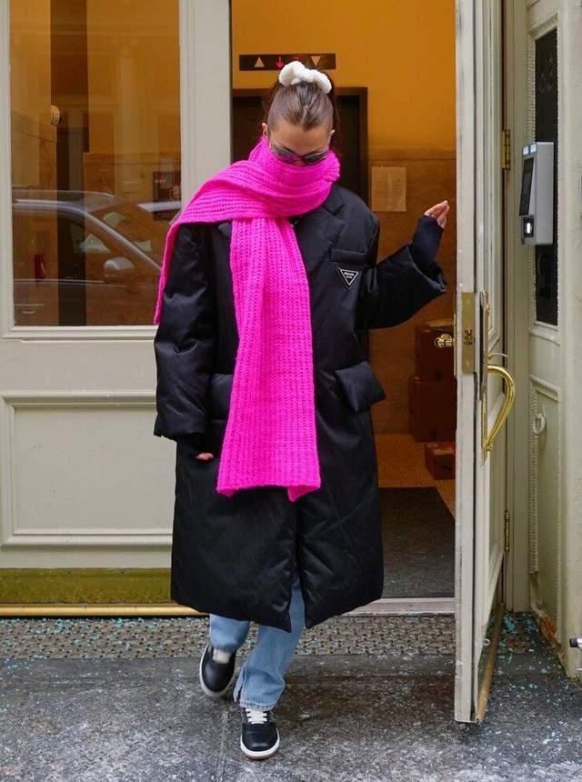 Белла Хадід прогулялася у стильному образі