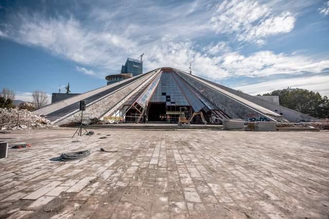 Піраміда у Східній Європі / Фото Archdaily