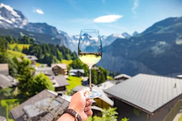 Кисень не завжди позитивно впливає на вино / Фото Unsplash
