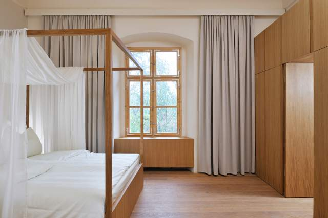 Відреставровані спальні приміщення