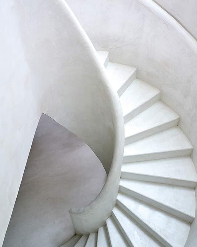 Витончені сходи  / Фото Harmonies Magazine