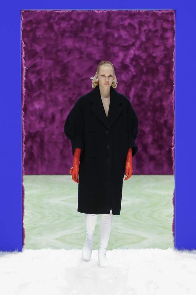 Жіноча колекція Prada осінь-зима 2021/2022