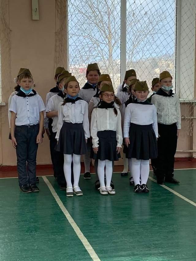 Крим, окупація, мілітаризація дітей, малята-путінята, Штірліц, Юнармія, Керч
