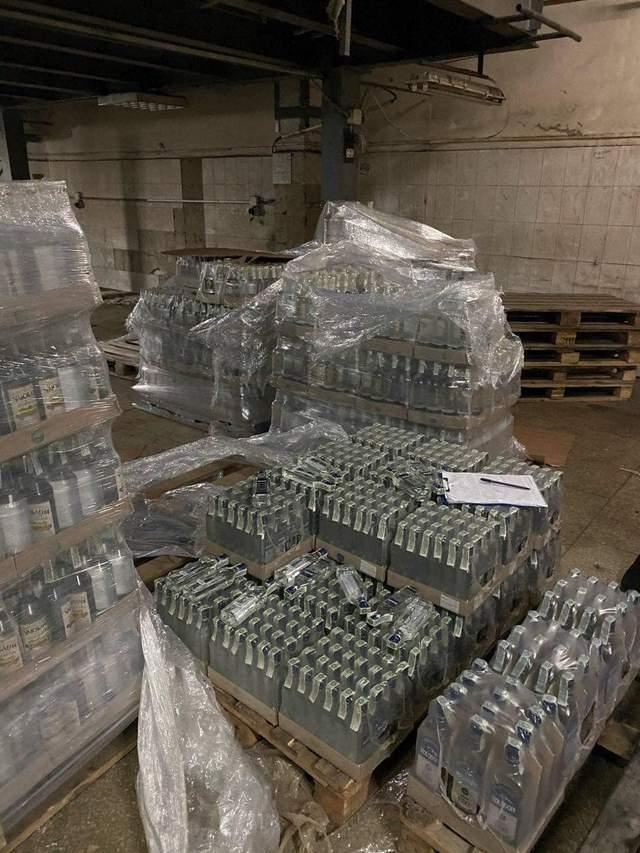 Правоохоронці вилучили понад 22 тисячі пляшок