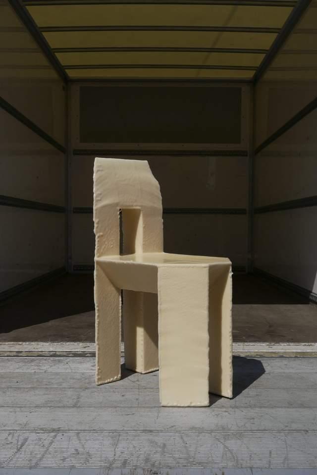 Меблі виготовили з полістиролу