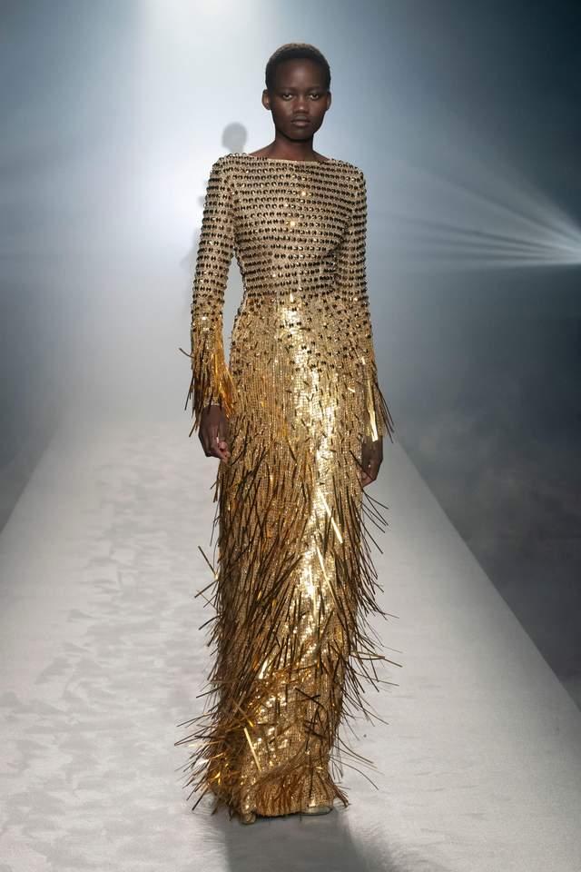 Найкращі сукні з показів мод у мілані