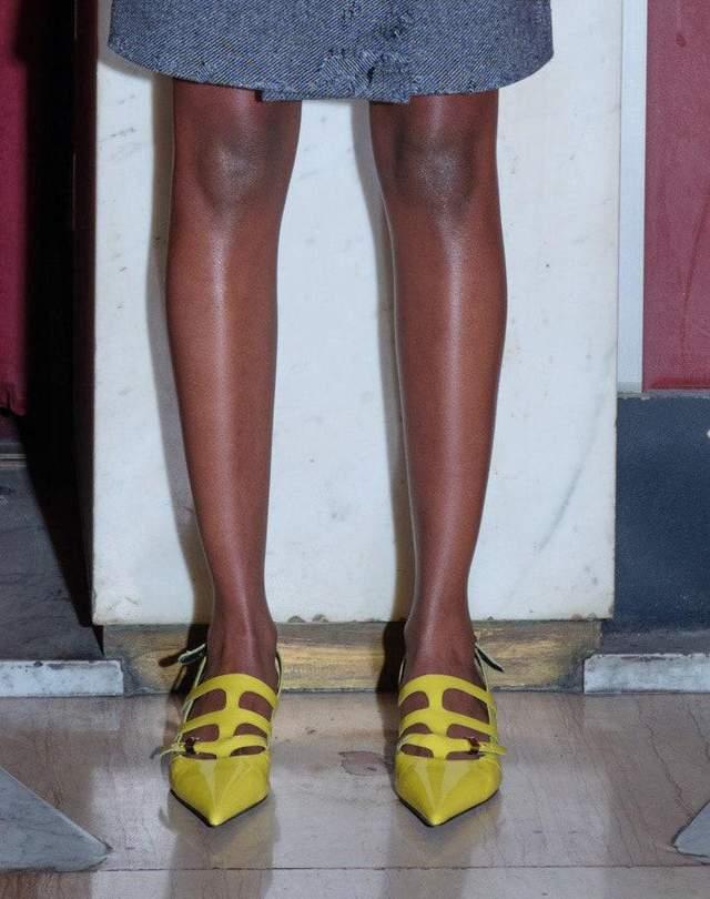 трендове взуття осені