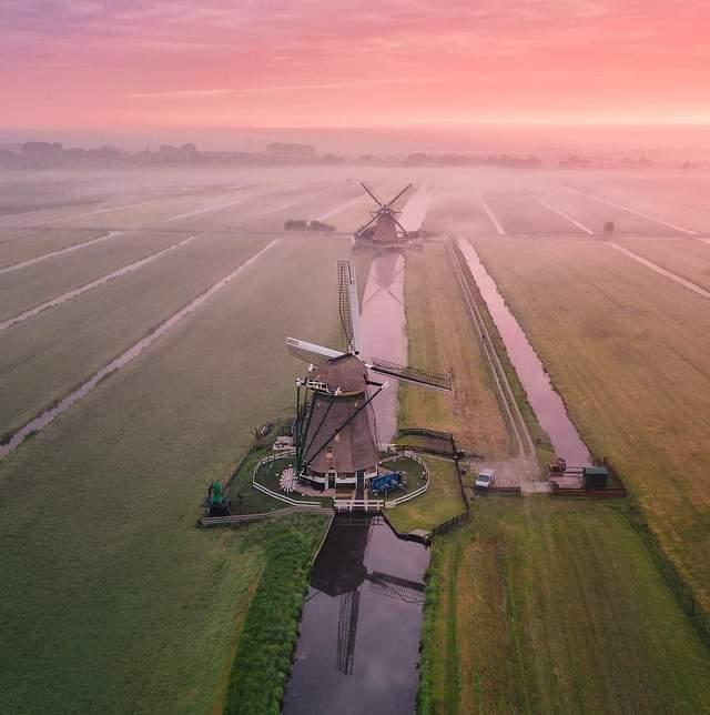 Пілот Boeing 737 робить неймовірні фотографії Нідерландів