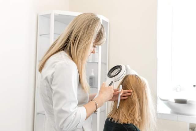 Пандемія спричинила бум операцій з трансплантації волосся у світі