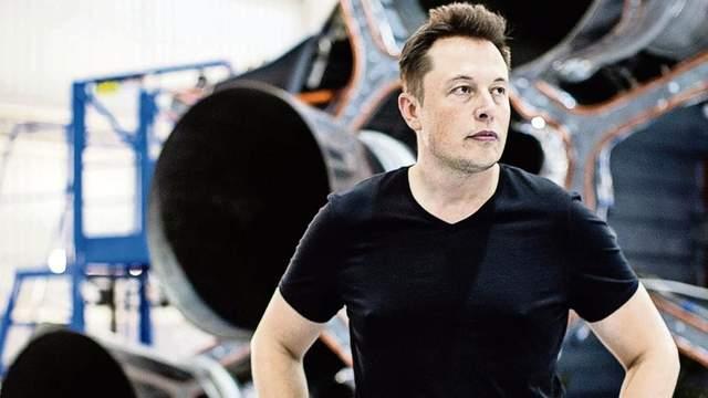 Ілон Маск в робочому середовищі