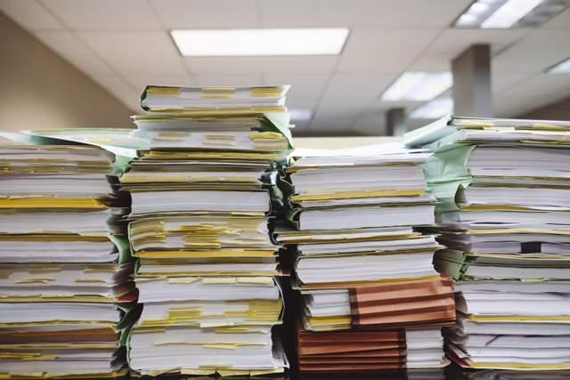Паперова робота марнує час, гроші та енергію