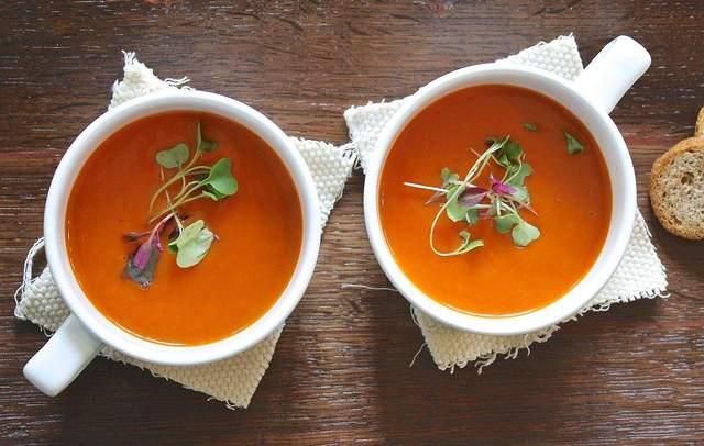 Сочевичний суп-пюре з куркою