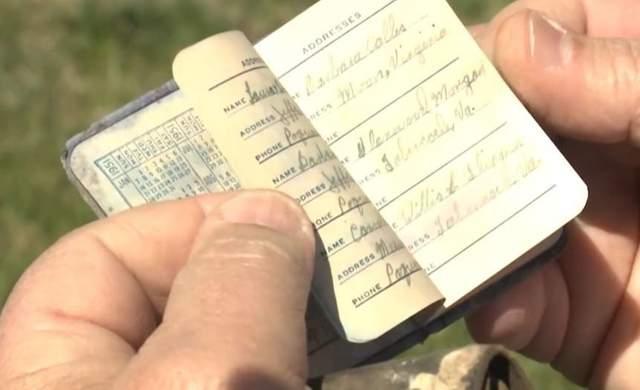 Жінці повернули гаманець через 70 років після того, як вона загубила його в школі