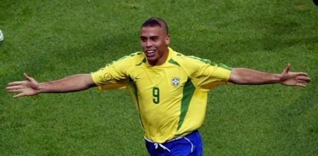 Роналдо попросив вибачення у матерів своїх фанатів за стрижку 2002 року