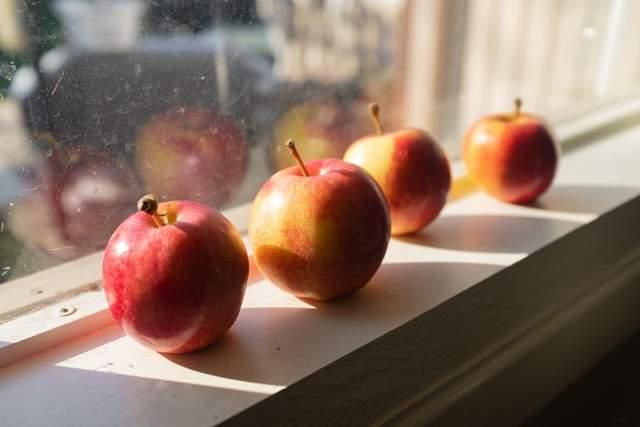 Яблука допомагають схуднути