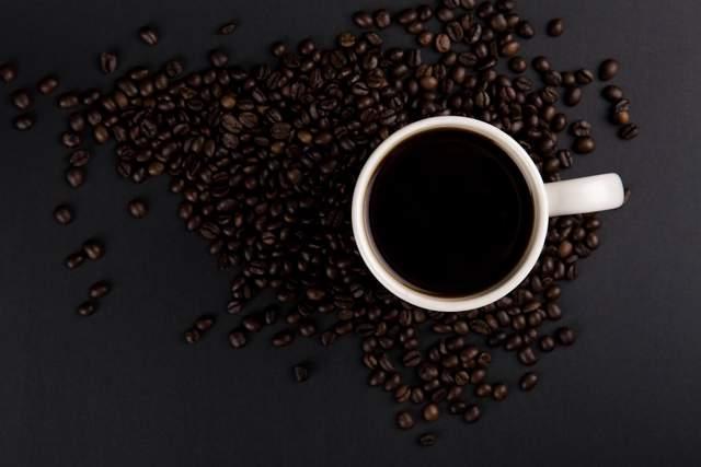 Кому та коли найкраще пити каву