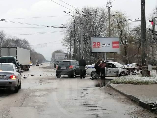 Фото ДТП на перехресті Тисьменецька-Юності